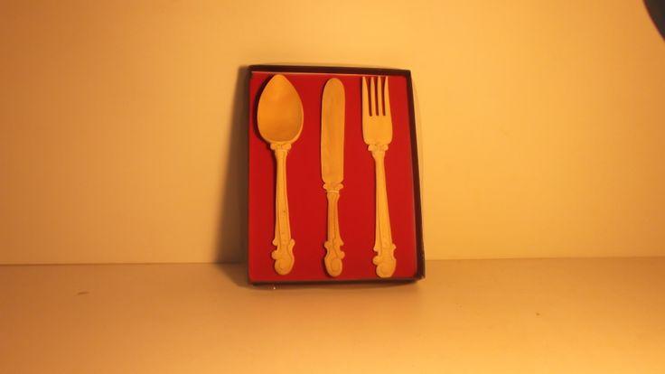 cucharas talladas en BOJ, para regalo.P.v.50euros.