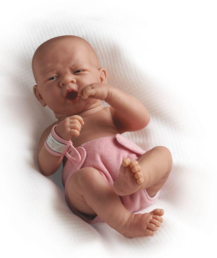 Realistické miminko - zívající holčička od firmy Berenguer