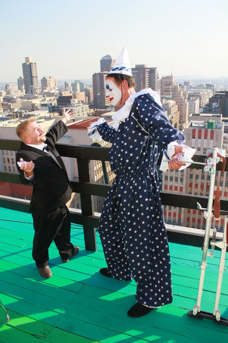 clowns and little people