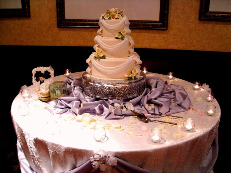 Provocative Fine Table Decoration For Wedding Cake