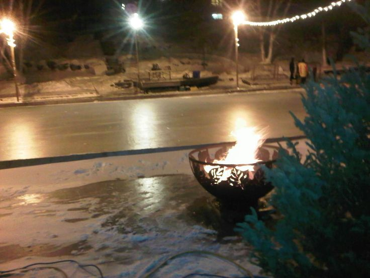 Pond Hockey Season is here! and nothing makes a better rink side warming station than these beautiful big Muskokafirebowls