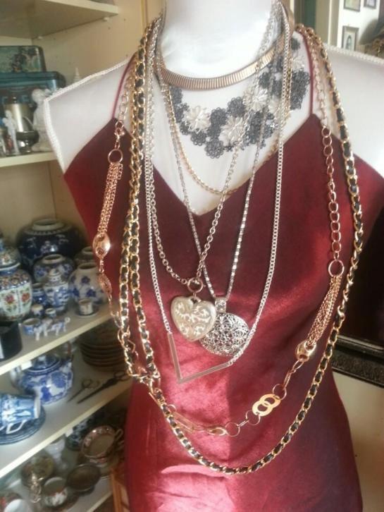 Lot vintage kettingen/colliers goud verguld en verzilverd.