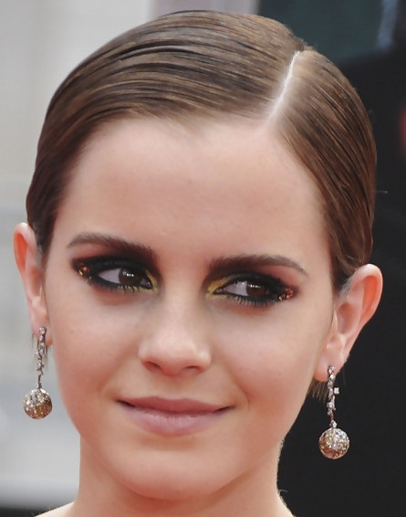 Emma Watson, HP7p2, black smokey with gold accent, slicked back pixie hair