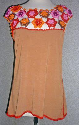 Blusa elaborada en modal marrón y tejido a crochet en hilos de colores rojo, naranja, marrón matizado, rosado y magenta, Talla M