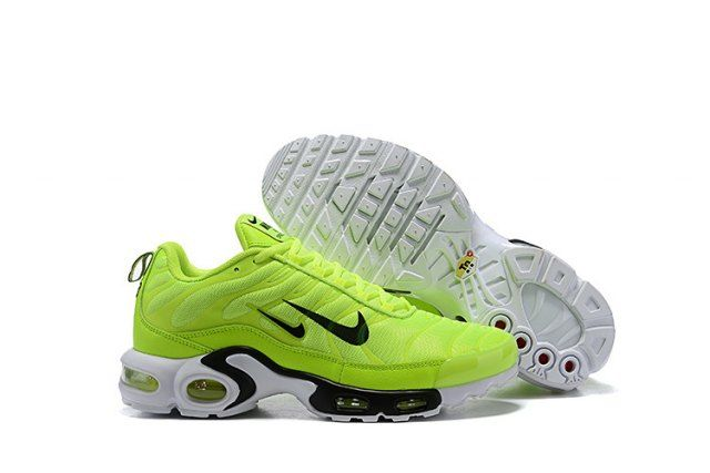 6f4c6ab6a8 Mens Winter Nike Air Max Plus TN Se Trainers Fluorescent green black white