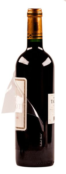 Label Skin® : life insurance for wine labels. A damaged label can cause the market price to drop by 40% or more..