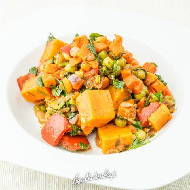 Dziś podsyłam Cipomysły na szybkie obiady bezglutenowe. Może przygotować je każdy i tym samym zrobić w 100% bezglutenowy obiad. Są to również obiady wegańskie, bo jak już zapewne wiesz żywię się roślinnie. Myślę jednak, że wiele z tych obiadów zasmakuje…