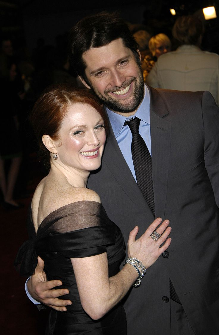 So in Love!: It's Julianne Moore and Bart Freundlich's 13th Wedding Anniversary — See the Couple's Cutest Photos Together!