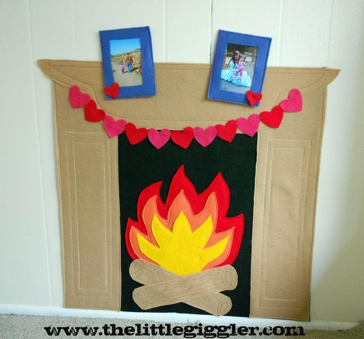 Felt Fireplace: Crafts Paper, Felt Playhouse, Plays House, Dramatic Plays, Nooks Ideas, Christmas Decor Playhouse, Paper Fireplaces, Reading Center, Felt Fireplaces
