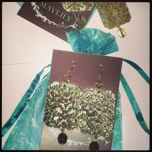 Thousand thanks to the #Italian #vintage #accessory brand #Maylily for sponsoring my #blog with these #Plexi and #Lace #Earrings, #vintage lovers must-haves indeed. Luv you #EvelynLaStarza !!! :) x