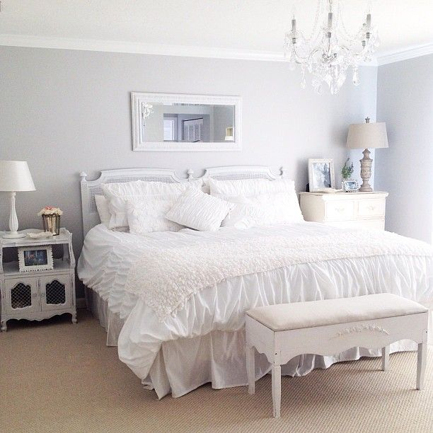Cottage inspired design. Decorating, styling, photo by Jennifer Bianca of Casetta Bianca Interiors.   jennifer bianca @casettabianca | Websta (Webstagram)