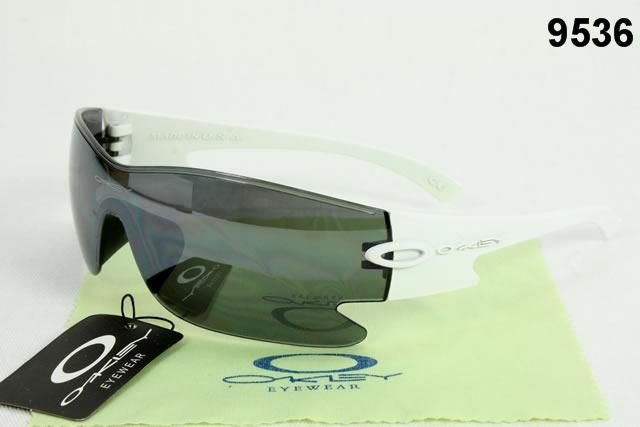 Cheap wholesale fashion Oakley Sunglasses