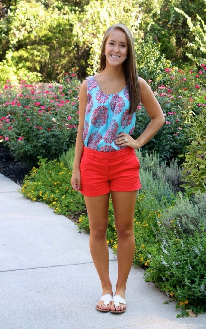 prepped-in-pearls:  Ootd Shirt- Lilly Pulitzer  Shorts- vineyard vines  Shoes- jack rogers (bone)