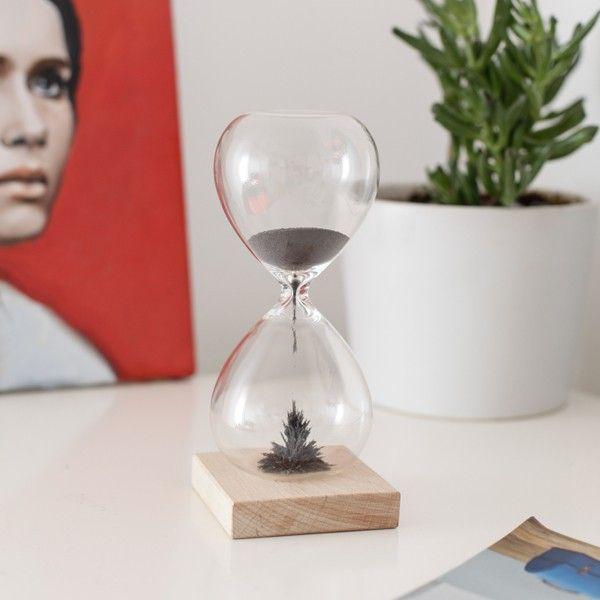 Sablier magnétique en bois Kikkerland Magnetic Hourglass