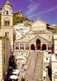 Escaleras del la catedral de Amalfi (Italia)