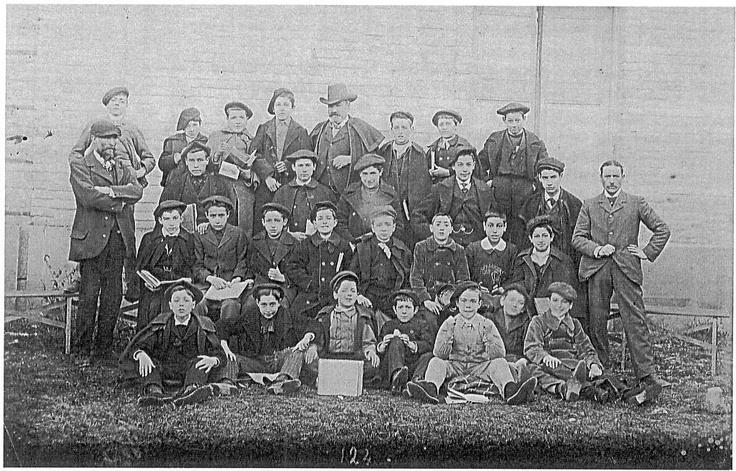 Promoción de Primero de Bachillerato en 1904. Institutos de Navarra, Pamplona