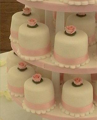 awwww...individual wedding cakes