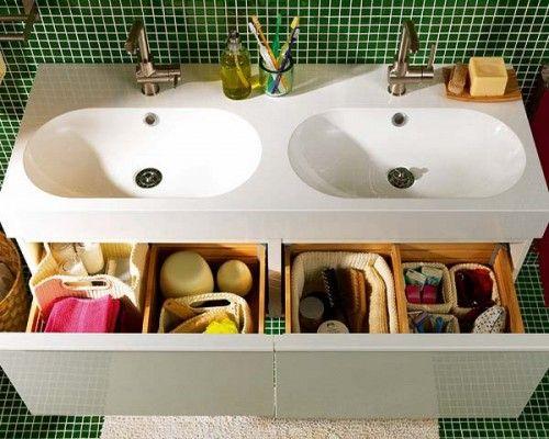 33 enkla sätt att förändra ditt badrum - Sköna hem      This is an Ikea base and top and it looks like its been painted.