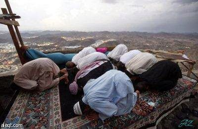 Who want to be closer to God, he shouldn't try to find excuses not to ~ Information about Islam