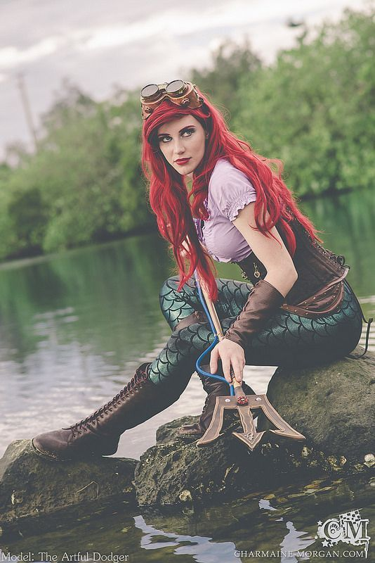 A very cool Ariel cosplay with dive tank like trident! - 10 Little Mermaid Cosplays