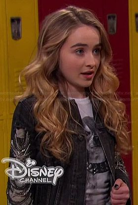 Maya's dog tee with studded collar and denim jacket with chain sleeves on Girl Meets World.  Outfit Details: http://wornontv.net/36281/ #GirlMeetsWorld