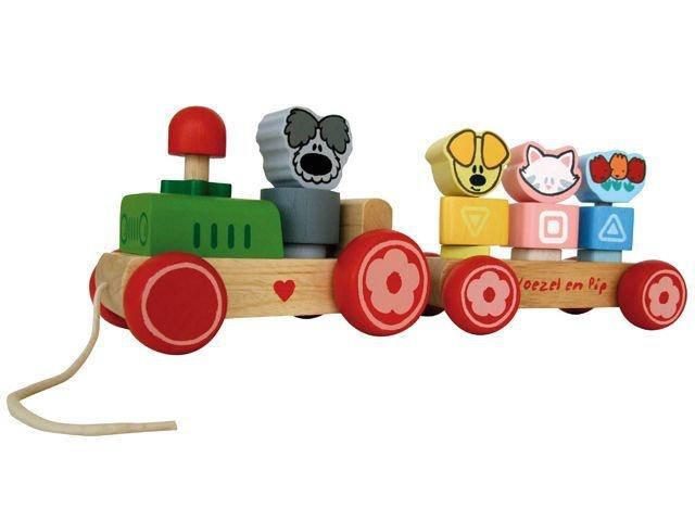 Woezel & Pip houten trein met trekkoord. Deze vrolijke trein is voorzien van leuke afbeeldingen van Woezel & Pip, en de buurpoes! Met de blokken kun je steeds andere wagons maken. De trein bestaat uit 15 delen. http://www.worldoftoys.nl/speelgoed/babies/woezel-en-pip-houten-trek-trein
