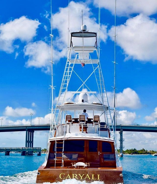 Happy Hump Day Reel Lifers....who's heading offshore? #reellifee #boating #offshorefishing #fishing #letsgetreel (Photo Credit: Unknown)