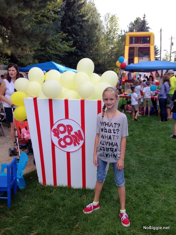 DIY Giant box of popcorn for your next birthday party! #BabyCenterBlog