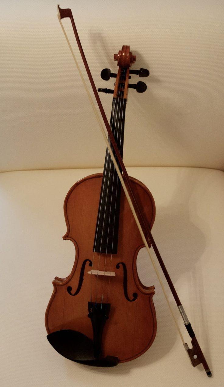 Free photo: 棕色小提琴与弓