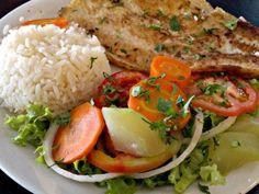 Linguado grelhado com salada