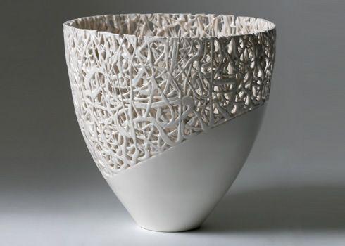 Fragile Fragment V-Vessel' (H24 x diam.24 cm) by Timea Sido; Photo: Sussie Ahlburg, 2008