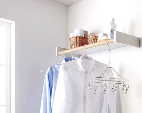 冬の日の短い季節や雨の日、洗濯物の干場に困った経験はありませんか? 部屋干しにするのはいいけれど、どうしても生活感が出たり邪魔になったりしてオシャレに暮らすこととは遠くなりがち。 記事では、そんな時におすすめの、室内物干しワイヤー「pid4M(ピッドヨンエム)」と、室内物干しシェルフ「wally(ウォーリー)」についてご紹介しています。 部屋干しでもスタイリッシュでオシャレに見せてくれるアイテムです。 ライフスタイルに合った部屋干しアイテム選びで、雨の日、冬の日もオシャレに過ごしましょう。 記事と合わせて是非、森田アルミ工業( @moritaalumi )公式インスタグラムやサイトも覗いて見て下さい*  #洗濯 #部屋干し #雨の日 #インテリア #シンプル #ライフスタイル #ナチュラル #lifestyle #丁寧な暮らし #暮らし #キナリノ  https://kinarino.jp/cat3/24438