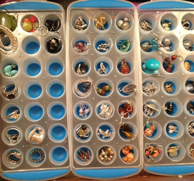 Use Mini Ice Cube Trays For Rings And Earring Storage These Came From The Target Dollar Spot Great Tips In 2018 Pinterest