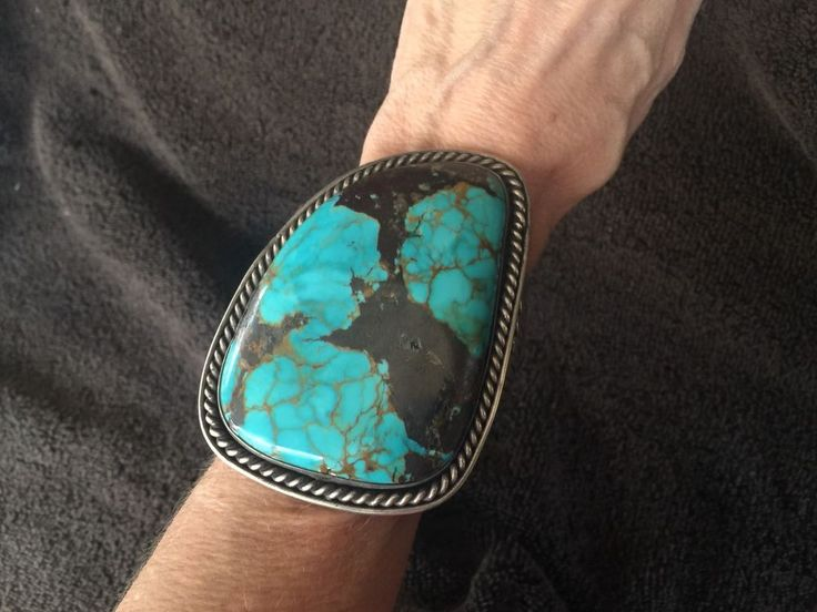 175 grams - Stunning Bisbee Navajo Native American Turquoise Sterling Cuff brace