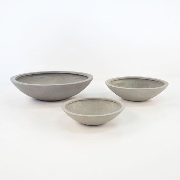 Accessorize your modern room, inside or out, with this modern raw concrete bowl - available in 60, 75 & 100cm widths.