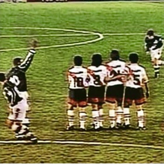 Gol do Juninho no Monumental contra o River Plate.  87c8b58b64e1a
