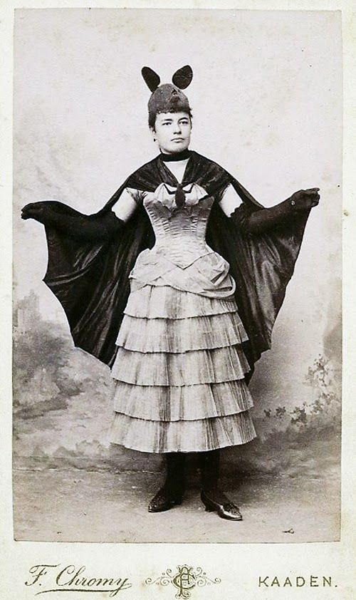 vintage everyday vintage photos of funny halloween costumes from between the 1900s to 1920s - Halloween Costumes Victorian