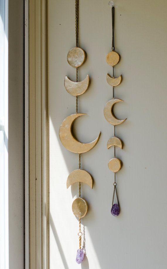 Carillon de lune or avec améthyste  Mini par KrystinaFaith sur Etsy