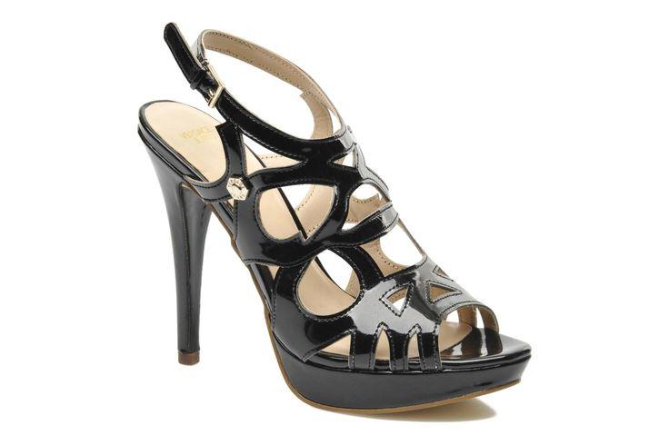 Zapatos online para mujer de la marca Versace con descuentos del 40%. Un chollo