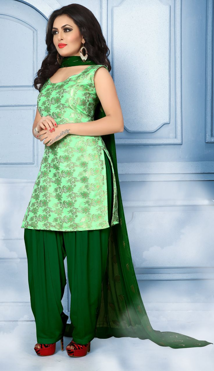 Buy Majestic Green Pure Banarasi Silk Jacquard Designer Patiala Suit at Rs. 2049- Get latest Patiala Suit for womens at Ethnic Factory. ✓Genuine Products ✓ Easy Returns ✓ Best Pricing #Ethnicfactory #Fairprice #patialasuit #Fashion