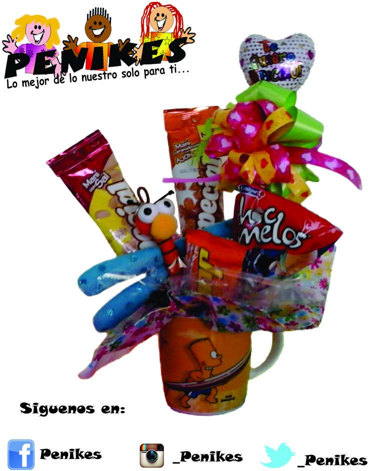 Vaso decorativo con dulces y llavero