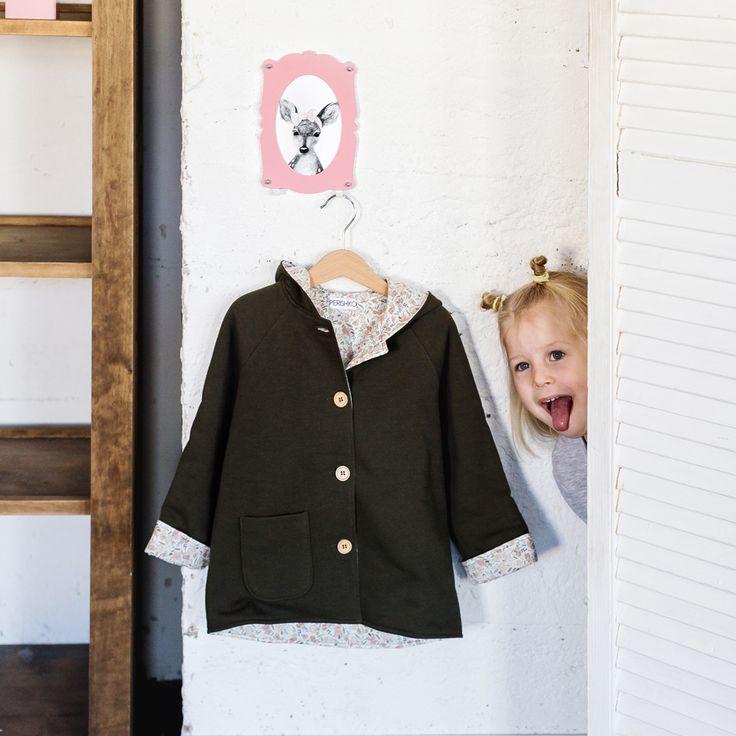 Мультирамка - оригинальное решение для интерьера (особенно детской комнаты), сочетающее в себе удобство, красоту, функциональность и авторский стиль двух дизайнерских студий - Smilewithfriends & Steel Alive.