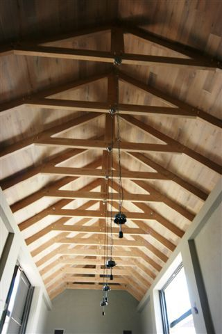Best 10 exposed trusses ideas on pinterest for Exposed roof trusses images