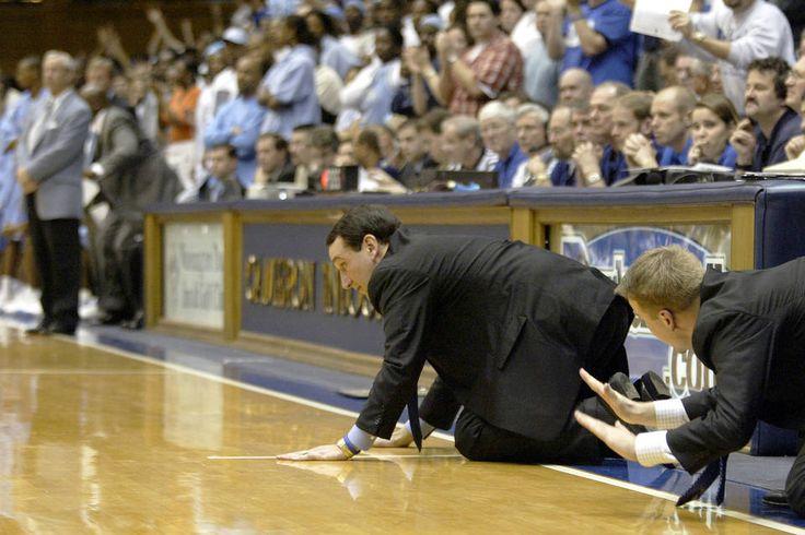 Duke Basketball Takes Defensive Inspiration in Team Floor Slap Duke Basketball  #DukeBasketball