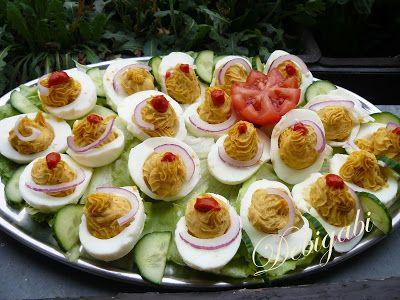 Vegyes saláta: Töltött tojás