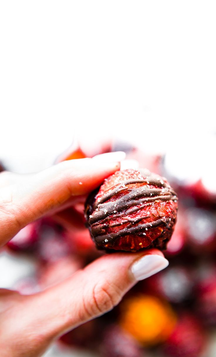 Strawberry Dark Chocolate Gluten Free Brownie Bites! These Gluten free brownie bites with a delicious strawberry and intense chocolate flavor combination are the perfect bite sized dessert for Valentine's Day. Dairy free options!