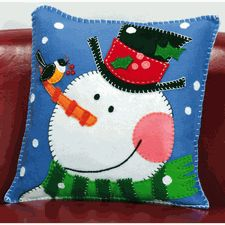 Snowman Felt Pillow Kit - Christmas Felt Kits at Weekend Kits