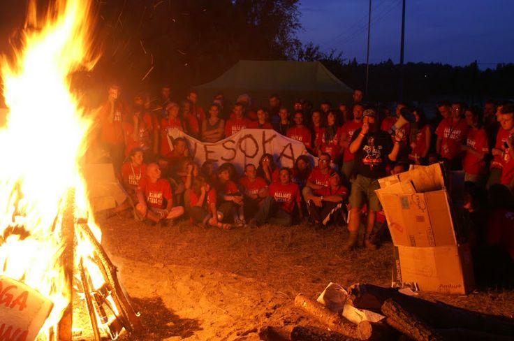 Każdy Przystanek Woodstock kończy się ogniskiem dla Pokojowego Patrolu. To dla nas jedyna chwila, aby siąść i na spokojnie podziękować sobie za kolejny, niezywkły czas spędzony w Kostrzynie n/Odrą.
