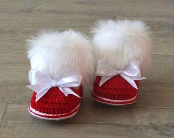 Botines de niña bebé rojo con arcos - Navidad botines - botas Crochet bebé - recién nacido de piel botines - botines de invierno - zapatos - rojo y blanco
