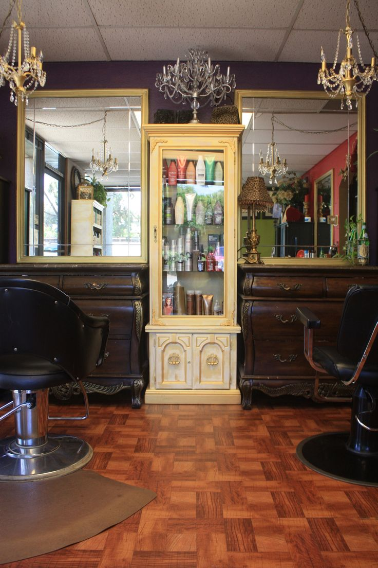 The gallery for vintage beauty salon decor for Decoration des salons